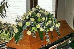1_Sargschmuck-zur-Trauer-von-Blumen-Jannink-Lingen-17
