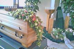 1_Sargschmuck-zur-Trauer-von-Blumen-Jannink-Lingen-29