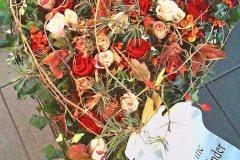 1_Individuelle-Trauergestecke-von-Blumen-Janning-Lingen-27