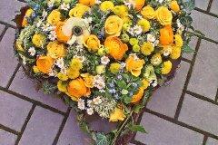 Individuelle-Trauergestecke-von-Blumen-Janning-Lingen-20