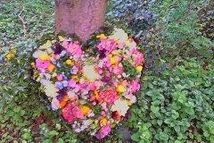 Individuelle-Trauergestecke-von-Blumen-Janning-Lingen-22
